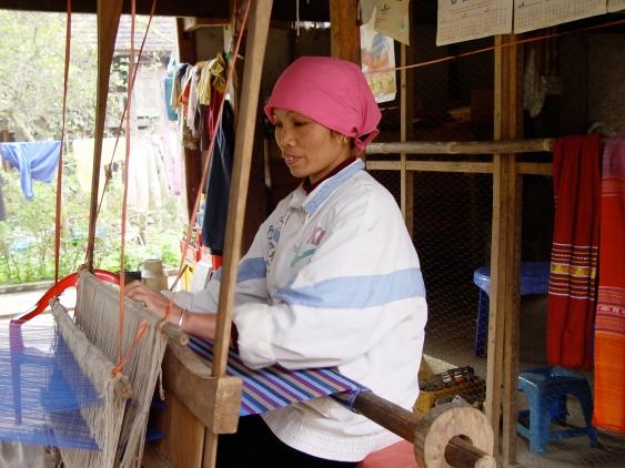 Weaving_Woman
